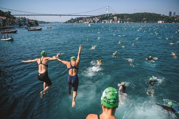 Column swimming race turkey 01